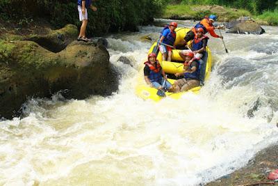 Rafting Cisadane