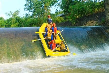 Rafting Bogor / arung jeram di bogor
